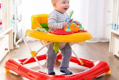 ეხმარება თუ არა ჭოჭინა ბავშვებს სიარულის სწავლაში?