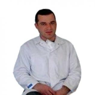 დათო  თორია